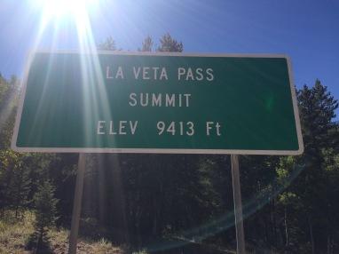 summit-of-la-veta-pass