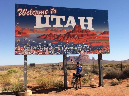 Utah Border sign.jpg
