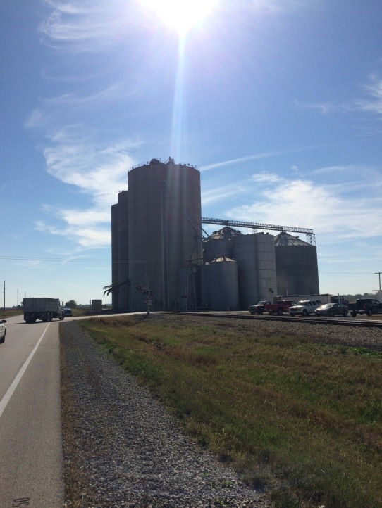 grain-elevators-at-lis-illinois